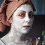 Крем для кожи может стать причиной отравления. Как этого избежать?