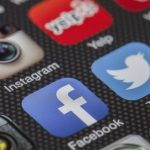 Apple сдается и принимает правовые изменения в России